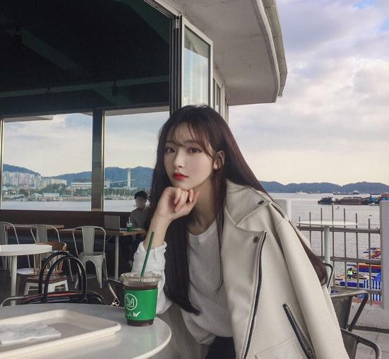 美髪ロングの韓国オルチャン