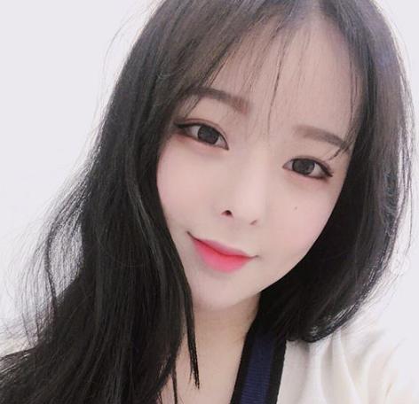 韓国メイクのアイライン