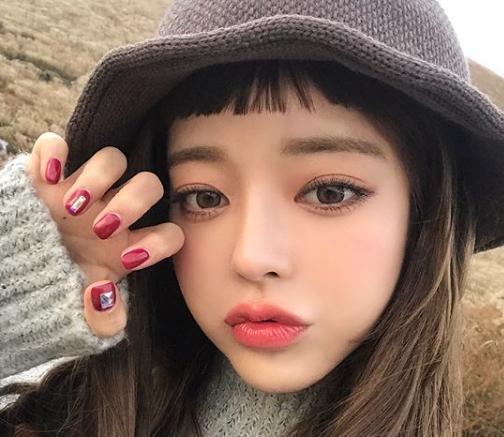 韓国メイクの眉